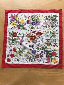 Gucci Pretty Flora And Fauna Decorated Scarf/ Neckerchief V.Accornero Genuine