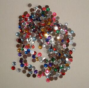 350 5mm Round Flat Backed Gems (multicoloured)