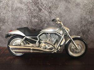 "Maisto Harley Davidson 1:18 Scale Die Cast Model Motorcycle 2.5"""