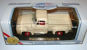 1953 Ford Pick Up Truck 1:18 Die Cast Classic Collection