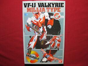 VF-1J Valkyrie Millia Robotech Macross 1:72 Variable 3 Mode Bandai Kit Vintage