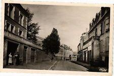 CPA  Montaigut-en-Combraille (P.-de-D.) - Grande Rue (220945)