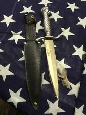 VINTAGE KORIUM P10  FIXED BLADE DAGGER KNIFE CLAW HOLDING BALL JAPAN 1950s