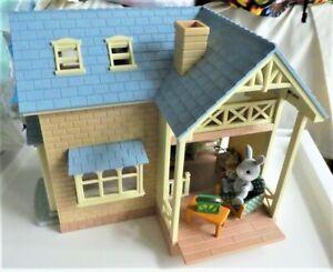 Sylvanian Families Riverside Lodge & Box & Furniture & Cottontail Rabbit Family