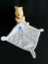 39- DOUDOU PELUCHE PLAT WINNIE DISNEY BABY NICOTOY MOUCHOIR BLEU GRIS ETOILES