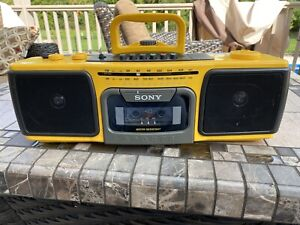 Sony Sports Boombox CFS-920 AM/FM Stereo Cassette Player Yellow Water Resistant