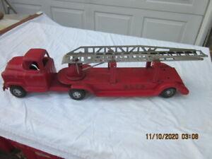 BUDDY L 1950's GMC EXTENSION LADDER PRESS STEEL FIRE TRUCK