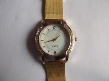 Neu - Schicke, Unisex - Quartz Armbanduhr mit Metallarmband - Edelstahl
