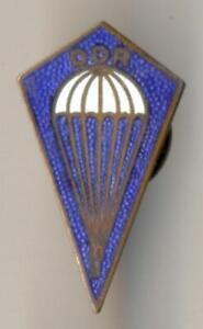 (361 d) GST Fallschirmsprung-Abzeichen, alte Form Eisen, transparent emailliert