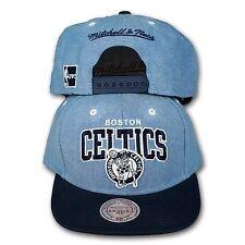 ORIGINALE Mitchell   Ness Boston Celtics Snapback Cap NBA Chambray Arch  Jeans 761f92c22694