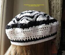 BERET  CHAPEAU CROCHET ARTISANAL FAIT MAIN MODELE ZIG ZAG blanc et noir*