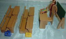 Caco Canzler Schule -4  Schulbänke, Lehrerpult  und Tafel - Neu