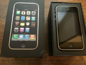 Apple iPhone 3G (2nd Generation) 8GB Boxed Manuals Accessories A1241