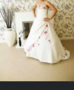 Unbranded White & Red Embroidery Strapless Wedding Dress With Train UK 10/12