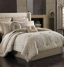 J Queen New York Astoria 4-pc Queen Comforter Set Sand