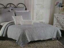 CYNTHIA ROWLEY Light Gray Embroidered Scroll Floral Quilt - Full/Queen
