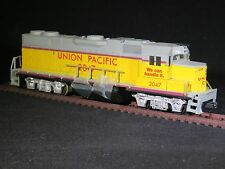 HO Life-Like UNION PACIFIC EMD Diesel Locomotive GP38-2 UP 2047 Powered