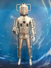 DOCTOR WHO - CLASSIC INVASION CYBERMAN FIGURE with CYBER GUN - 2nd DR ERA ENEMY