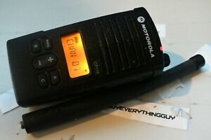 Motorola Cp110 H96KCF9AA2BA VHF 150.8-174mhz Radio 2 Watts 16 CH w Antenna