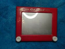Etch A Sketch bu Ohio Art. The world of toys vintage