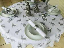 150CM DIAMETER ROUND CHRISTMAS TABLECLOTH WHITE & SILVER STAGS