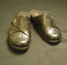 """LN ~ Clarks Artisan -5 Med- Black Pebbled Leather Buckle Accent 1.5"""" Wedge MULES"""
