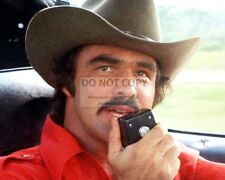 "BURT REYNOLDS IN THE FILM ""SMOKEY AND THE BANDIT"" - 8X10 PUBLICITY PHOTO (RT210)"