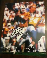 PEYTON MANNING Signed AUTOGRAPH 8x10 Photo Signature Tennessee With *Tear*