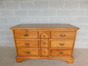 Cushman Furniture Governor Benning Wentworth Double Dresser 6053