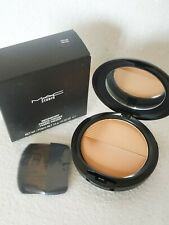 M.A.C Studio Waterweight Pressed Powder Medium Golden MAC