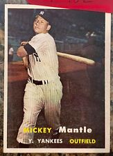 1957 Topps #95 - Mickey Mantle - MLB & New York Yankees HOF - The Commerce Comet