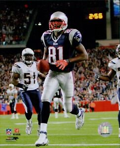 Randy Moss New England Patriots NFL Licensed Unsigned Glossy 8x10 Photo C
