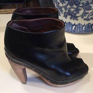 Marni  dark brown open toe booties with wooden platform