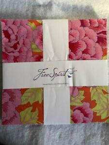 "Free Spirit Kaffee Fassett Collective Scarlet 10"" Layer Cake (42 pcs)"