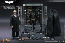 Hot Toys 1/6 Dark Knight MMS235 Batman Armory With Alfred Pennyworth Figure