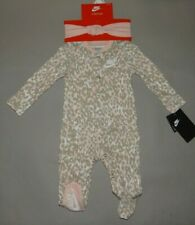 Nwt, Baby girl clothes, 9 months, Nike 2 piece set/ See Details On Size & Flaps