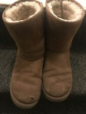 Pre-Owned UGG Classic Short Women's Boot in Chestnut Size 8 U5825