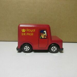OLD DIECAST ERTL WOODLAND ANIMATIONS ROYAL ER MAIL TRUCK MADE IN CHINA