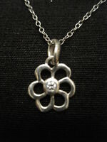 "925 Sterling Silver Flower Pendant Necklace with CZ Stone 18"" Long ~ 1.59 Grams"