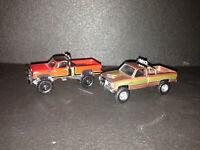 "GMC K-2500 Sierra ""Fall Guy"" & Dodge Macho Power Wagon 1980 ""Simon & Simon"" 1:64"