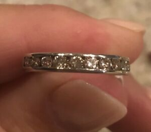 WR22 (A32) 14 Kt White gold 1/3 cttw Diamond Band