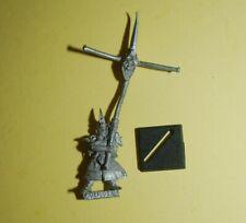 Warhammer -  Dark Elf - Classic Standard Bearer