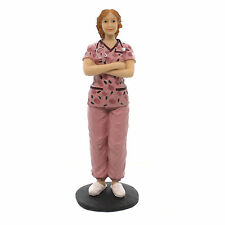 Статуэтка медсестры