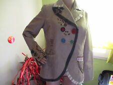 magnifique veste femme marue DESIGUAL taile 44 (taille petit voir dimensions)