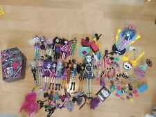 Huge Lot Of Monster High Dolls Accessories Case Frankie Stein Recharge Chamber