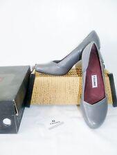 Tsubo Avoca Elephant Gray Leather Classic Pumps Womens Shoes Size 7 38 & BOX