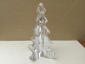 VINTAGE 8 inch LARGE  CRYSTAL CLEAR GLASS XMAS TREE Heavy