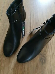 M&S  LEATHER UPPER BLACK ANKLE BOOTS UK SIZE 4.5