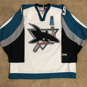 Autographed CCM Joe Thornton San Jose Sharks NHL Hockey Jersey SJ White Away L
