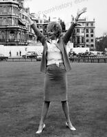8x10 Print Lucille Ball Lucy in London 1966 #LB25